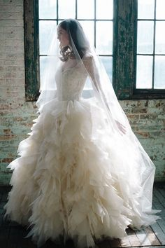 Full-skirted fancy - our top 10 ballgowns | Wedding Dresses