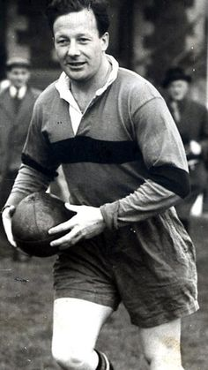 RIP #JackKyle In 2002 he was voted the greatest ever #Irish player in a poll by the #Irish Rugby Football Union #IRFU In 1950 one of top six players in the world...
