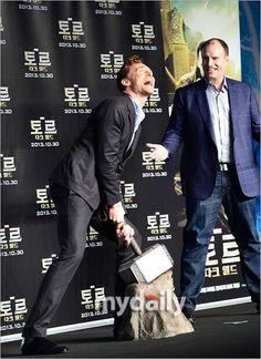Tom Hiddleston in Seoul. Via Twitter