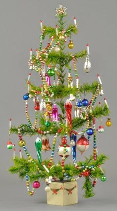 1971: FULLY DECORATED GERMAN FEATHER TREE : Lot 1971