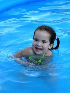 Swimming games for young children