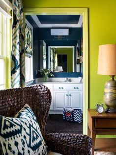 Apple green is crisp, lively and so versatile. Take a peek at our favorite apple green-infused rooms and see why this color is the apple of our eyes.