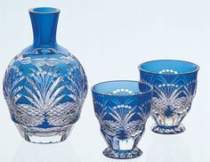 Edo Kiriko is a Japanese colored glass craft known for its unique engraved patterns. It originates from Edo, the old name of Tokyo and dates back to 1834 when an artisan invested this new technique.