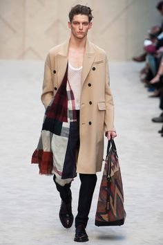 Burberry prefall14 colors that scarf!