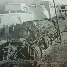 2098 steam locomotive carring factory products to market
