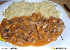 Pikantní žampionový gulášek recept - TopRecepty.cz Czech Recipes, Ethnic Recipes, Goulash, Thai Red Curry, Risotto, Grains, Stuffed Mushrooms, Clean Eating, Rice