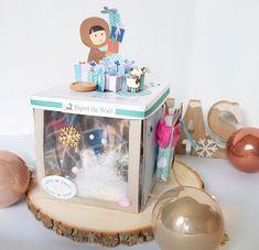 Voici une petite boîte à explosion que j'ai réalisé avec la collection Mini Albums, Scrapbooking, Theme Noel, Voici, Snow Globes, Collection, Home Decor, Explosion Box, Decoration Home