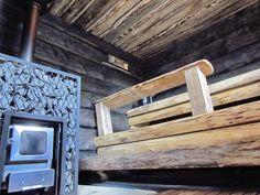 Pohjalaista unelmaa Japanese Bath House, Sauna House, Traditional Saunas, Outdoor Sauna, Finnish Sauna, Spa Rooms, Steam Room, Painted Doors, Play Houses