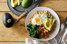 Phase 3 Savory Stovetop Oats with Avocado, Greens, and Kimchi - Use cup cooked oats and saute in a nonstick pan instead of ghee. Serve with a fruit for a satisfying, complete breakfast. Veggie Recipes, Asian Recipes, Diet Recipes, Healthy Recipes, Ethnic Recipes, Asian Foods, Healthy Food, Roasted Beets, Roasted Vegetables