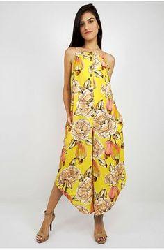 Moda Jeans, Dress Neck Designs, Casual Looks, Afro, Ideias Fashion, Vestidos Farm, Strapless Dress, Trousers, Jumpsuit