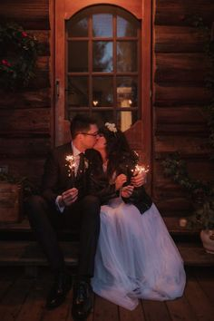 Our couple celebrated their adventure elopement at their cabin in Gibsons, British Columbia. It was a beautiful beach wedding ceremony on the Sunshine Coast. Cabin Wedding, Cottage Wedding, Vancouver Wedding Photographer, Beach Ceremony, Wedding Sparklers, Sunshine Coast, West Coast, Magnolia Cake, Wedding Styles