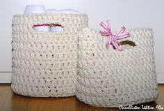 Crochet Stars, Korit, Straw Bag, Baby Shoes, Bags, Decor, Crocheting, Sink Tops, Handbags