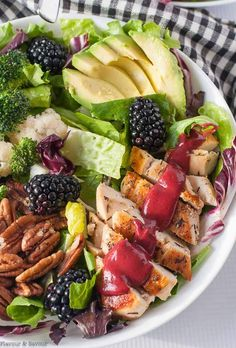 Blackberry Balsamic Grilled Chicken Salad Here's a nutritious, delicious keto grilled chicken salad with healthy greens, avocado, crisp veggies and crunchy pecans, all drizzled with a rich and tangy blackberry balsamic dressing. Chicken Salad Recipes, Healthy Salad Recipes, Salad Chicken, Avocado Chicken, Juice Recipes, Healthy Chicken, Keto Recipes, Balsamic Grilled Chicken, Antipasto