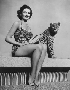 "summers-in-hollywood: ""Gene Tierney posing with a leopard, Photo by Frank Powlony "" Hollywood Glamour, Classic Hollywood, Old Hollywood, Hollywood Actresses, Gene Tierney, Deborah Kerr, Gina Lollobrigida, Veronica Lake, Joan Collins"