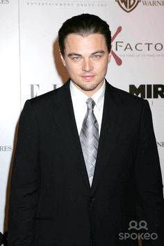 """Photo by: RE/Westcom/starmaxinc.com 2004. 12/1/04 Leonardo DiCaprio at the premiere of """"The Aviator"""". (CA)"""