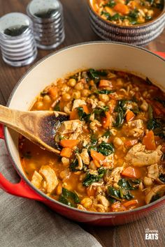 Chicken Chickpea Spinach Soup (from www.slimmingeats.com) -a healthy hearty and delicious soup that is both high in protein and fibre and a perfect meal for any day of the week.#soup #glutenfree #chickpeas #garbanzo #chicken #spinach #slimmingworld #weightwatchers Chicken Chickpea, Chickpea Soup, Chickpea Recipes, Pureed Food Recipes, Healthy Eating Recipes, Healthy Soup, Lunch Recipes, Real Food Recipes, Healthy Meals