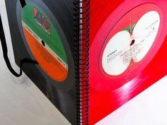 Notizbuch aus Schallplatte- Notizbuch-Wiederverwendbar! *Das außergewöhnliche Geschenk für Musikliebhaber:  Notizbuch aus seltenem Red Vinyl - Original Beatles Schallplatte*  Notizbuch, Ringbuch...