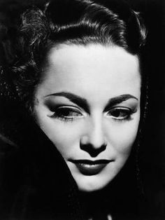 Photographic Print: Olivia De Havilland : 24x18in Old Hollywood Glamour, Hollywood Actor, Golden Age Of Hollywood, Vintage Hollywood, Nostalgia, Olivia De Havilland, Female Portrait, Vintage Beauty, Professional Photographer