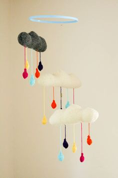 Las Teje y Maneje: KNITTED & CROCHETED MOBILES