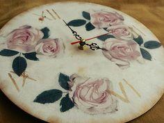 decoupage clock    vintage    home decor    handmade  http://madebyirinar.blogspot.ro/2015/10/tic-tac-ceasuri-decorative.html