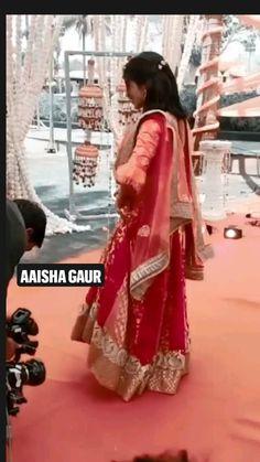Asian Bridal Dresses, Asian Wedding Dress, Wedding Dress Trends, Indian Wedding Outfits, Wedding Dance Video, Indian Wedding Video, Stylish Dress Designs, Stylish Dresses, Fashion Dresses