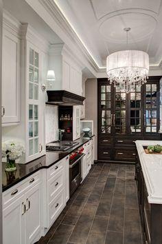 Lincolnwood Design Showroom Kitchen Display #traditionalkitchens