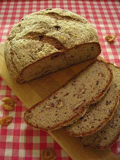 Läckert valnötsbröd av surdeg (Glutenfritt) Plant Protein, Herbalife, Superfoods, Paleo, Food And Drink, Low Carb, Bread, Healthy, Polenta