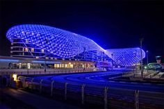 The Largest LED Architecture Project in The World: Yas Hotel in Abu Dhabi Parametric Architecture, Modern Architecture Design, Light Architecture, Futuristic Architecture, Amazing Architecture, Abu Dhabi, Yas Hotel, Facade Lighting, Lighting Design