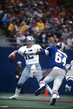 Roger Staubach Steeler Football, New York Giants Football, Football Baby, School Football, Football Cards, Football Helmets, How Bout Them Cowboys, Football Conference, Win Or Lose