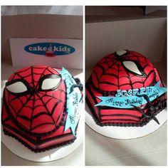 Spiderman Cake by Noemi L.