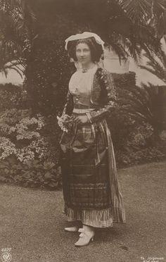 VL in Greek folk costume Viktoria Luise, daughter of Kaiser Wilhelm II. I love her <3