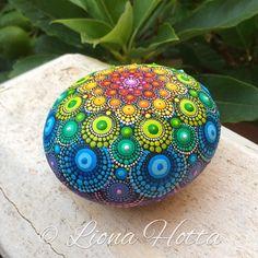 Stone Mandala Dot Art Rainbow.