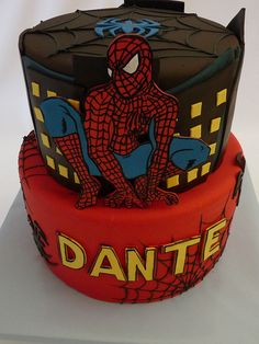 Spiderman - This cake is pretty amazing! Fancy Cakes, Cute Cakes, Fondant Cakes, Cupcake Cakes, Marvel Cake, Batman, Spiderman 3, Amazing Spiderman, Superhero Cake