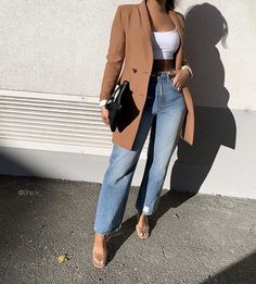 Anyone else love a good denim + blazer look? Look Fashion, Girl Fashion, Autumn Fashion, Fashion Outfits, Womens Fashion, Fashion Clothes, Fashion Ideas, Fashion Tips, Cute Casual Outfits