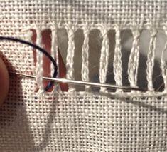 makkelijk                Dit is de zoom van Mathilda's needle roll. Reken uit of je aantal bundels deelbaar is door 6. Zo niet, dan verzin j...