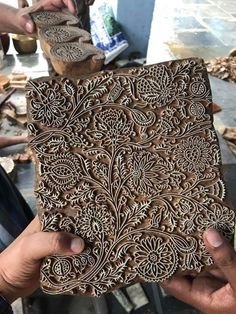 Need to find stencils - Printing Stamps Textiles, Textile Prints, Textile Art, Block Printing Designs, Motif Oriental, Impression Textile, Indian Block Print, Stamp Carving, Fabric Stamping