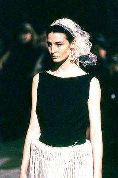 Comme des Garçons Spring 1998 Ready-to-Wear Fashion Show Details