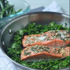 """""""@paleoprimalplatform is serving up a very simple, yet absolutely delicious dish tonight! Lemon Garlic Dill @sizzlefishfit Sockeye Salmon with of healthy greens!  _______________________________ ‼️ You can find all of our perfectly portioned fish and shellfish on our website: www.sizzlefish.com‼️ _______________________________"""