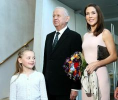 Noblesse & Royautés:  Crown Princess Mary attended the Brain Room Reception and presented the prize, May 1, 2014.