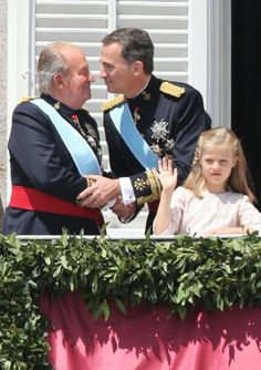 (L-R) King Juan Carlos, King Felipe VI of Spain and Princess Leonor, Princess of Asturias appear at the balcony of the Royal Palace during the King's official coronation ceremony, 19.06.2014 in Madrid, Spain.