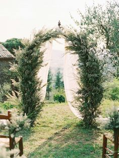 Tuscan Elopement with Natural Greens and Organic Details by Allen Tsai Photography | Wedding Sparrow