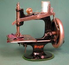 ❤✄◡ً✄❤  Antique sewing machine ❤✄◡ً✄❤ 1926 SINGER 20