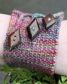 These look like a fun way to use up those little partial balls of yarn that get leftover.
