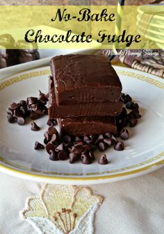 Want a quick and delicious treat? Try this beyond easy and delicious No-Bake Chocolate Fudge! #NestleTollHouse #NoBake #ad