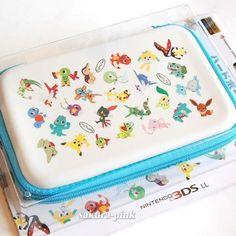 For Nintendo XL Pokemon Center Original Hard Case Pouch Eevee Pikachu Cute Pokemon, Pokemon Bag, Pokemon Stuff, Pikachu, Nintendo Ds, Nintendo Games, 3ds Case, Geek Mode, Animal Crossing