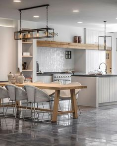 Fantastic modern kitchen room are available on our internet site. Take a look and you wont be sorry you did. Modern Kitchen Design, House Interior, Rustic Kitchen, Kitchen Room, Kitchen Decor, Kitchen Remodel, Home Kitchens, Kitchen Design, Home Decor