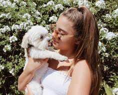 Mackenzie and her dog sooo cute! Maddie And Mackenzie, Mackenzie Ziegler, Maddie Ziegler, Photos With Dog, Girl Photos, Puppy Pictures, Cute Pictures, Animal Photography, Photography Poses