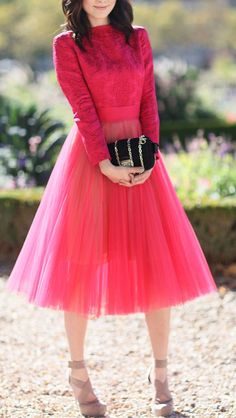 LoLoBu - Women look, Fashion and Style Ideas and Inspiration, Dress and Skirt Look Look Fashion, Paris Fashion, Fashion Beauty, Street Fashion, High Fashion, Womens Fashion, Looks Street Style, Spring Street Style, Estilo Girlie