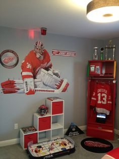 """Cool Kids Locker Contest Entry #1: """"Red Wings Room Decor"""" from BCB Moore 
