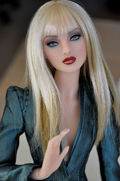 104 best barbie hairstyle images in 2019 Beautiful Barbie Dolls, Vintage Barbie Dolls, Fashion Royalty Dolls, Fashion Dolls, Barbie Hairstyle, Glamour Dolls, Barbie Fashionista, Cute Dolls, Dolls Dolls